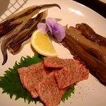 大阪産(もん)料理 空 - 七輪で炙りながら召し上がって頂きます。いい香りがしますよ