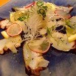 大阪産(もん)料理 空 - 地元泉州産泉たこのカルパッチョです