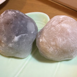一心堂 - いちご大福粒餡と白餡