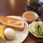 扉のその先に... - 料理写真:ブレンドコーヒー380円と小倉トーストのモーニング