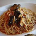 ラ・ヴォリエラ - 揚げなすと濃厚トマトソーススパゲッティ