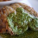 ラ・ヴォリエラ - 若鶏のソテージェノベーゼソース