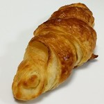 クロワッサン・ド・パリ - 料理写真:クロワッサン(115円)