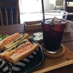 cafe アノヒアノトキ - 料理写真:サンドイッチとアイスコーヒー(2017.5.17)