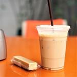 COLOSO COFFEE TOKYO - アイスラテ、ショートブレッド