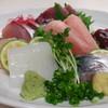 季節料理 鮮 - 料理写真:刺身の盛り合わせは、1人前~承れます!※写真は2人前です。