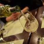 クアトロ・スタジオーネ  - ドリンク写真:まずは白ワインで