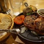 つばめグリル - 料理写真:[料理] パン & 自家製ベーコンで巻いたハンブルクステーキ セット全景♪w