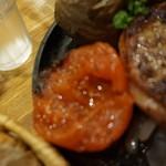 つばめグリル - [料理] 付け合わせ グリルトマト アップ♪w