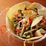 ホテルオークラ神戸 テラスレストラン ビアガーデン - 夏野菜と紅海老アボガドディップのメキシカンサラダ