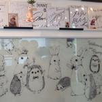 ミス・バニー - 壁のイラスト&サイン色紙