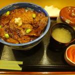 67162876 - 半バラ豚丼並920円ご飯大盛り+120円