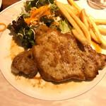 ニユートーキヨー ビヤレストラン - ポークランチ 900円