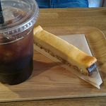 GOOD TIME COFFEE - アイスコーヒーとチーズケーキ