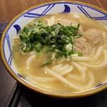 67166738 - 1705 丸亀製麺コタカサブランカ toribaitan udon@47,000Rp まぁ、鶏白湯。笑