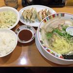 67168865 - 2017.4.22  赤穂塩らーめんと餃子セット