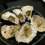 牡蠣&海老バル EAST BLUE - 牡蠣のグラタン、ウニバター