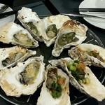 牡蠣&海老バル EAST BLUE - ポン酢、ガーリックバター、バジル