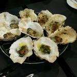 牡蠣&海老バル EAST BLUE - ウニ、ガーリック、グラタン