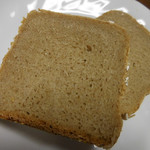 翠玉堂 - ライ麦食パン;断面