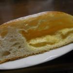 みやび亭 - クリームパン;断面