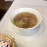 鍋竜 - ハラミたたき定食のスープ