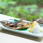 渓流の駅おいらせ 奥入瀬ガーデン - 料理写真:十和田湖ひめます塩焼き
