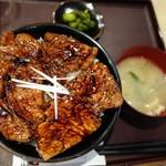 豚どん 白樺 - (2017/3月)「中割丼」