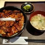 豚どん 白樺 - 料理写真:(2017/3月)「豚どん  特盛」