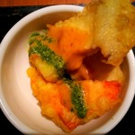 和カフェ yusoshi chano-ma - デリランチ 小鉢②/サーモンとエリンギの天ぷら 胡麻味噌だれ