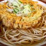 そばの神田東一屋 - 野菜かき揚げそば@370円   麺が美味い!ツユが美味い!天ぷらが美味い!「神田」というから東京の立ち食いそばをイメージして今まで敬遠してたけどなんのなんのコレは美味いです♪毎回来るたびに寄ります!!
