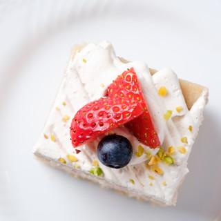 乳製品や白砂糖を一切使用せずつくったからだにやさしいケーキ