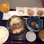 67181423 - 日替わり定食(1000円)