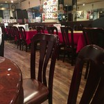 神田 天府 - 店内左側テーブル席