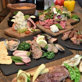 肉料理を堪能できる飲み放題コースもあり3500円~