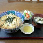 お食事処 藤 - 料理写真:かつ丼(700円)
