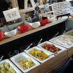 千丑茶屋 - 内観:くにたち野菜のサラダバー