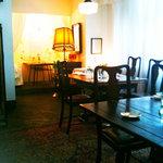 L'OASINA - アンティーク家具が可愛い奥の部屋