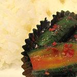 小さな洋食屋おがわ - これも大阪鶴橋風?白ご飯には、キュウリのキムチが付いてました。
