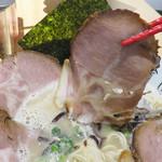 金田家 - チャーシューはハムみたいに美味しい。