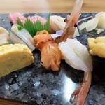 若草寿司 - 握り(桜)