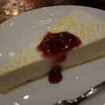 珈琲 タイムス - [料理] レアチーズケーキ 全景♪w