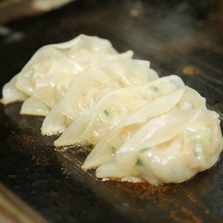鶴餃子のこだわり≪手作り餃子≫