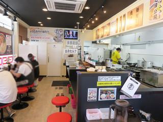製麺屋慶史 麺ショップ 西月隈 - 店内。