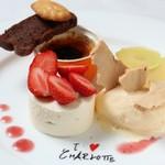 フランス料理  セルジュ&ジェーン - 本日のデザート盛り合せ