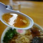 茶釜 - 優しい白河といった塩梅のスープ、醤油ダレ