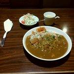 オルコット - カレーピラフ(サラダ、スープ付) 890円
