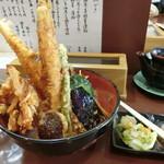 天丼の岩松 - 迫力のある「穴子丼」1,000円
