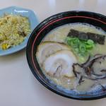 てんま - 「チャーハン定食」(770円)。久留米のボクの好きな方のラーメン。美味かった~♪