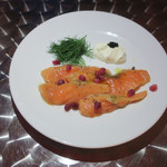 Trattoria&Pizzeria LOGIC - 自家製サーモンのマリネ